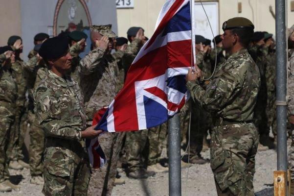لندن: 100 نظامی دیگر انگلیس به افغانستان اعزام شدند