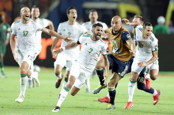 الجزایر 1 - سنگال 0 ، شاگردان بلماضی قهرمان آفریقا شدند ، تک گل بونجاح جام را به الجزیره آورد